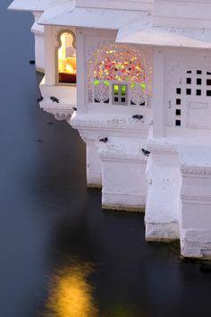 Taj Lake Palace, Udaipur, Rajasthan, India (James Bond Octopussy) http://www.olafkrueger.com/en/cgallery/aimages/cat2/cat2-43/image351.html#3