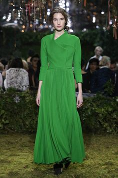 Dior Haute Couture S17                       « Jardin baroque » Spring green sunray-pleated wool crêpe coat dress with asymmetric collar.