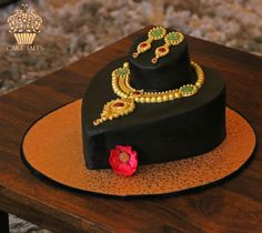 Indian Jewellery cake - cake by Meenal Rai Shejwar - CakesDecor Cake Decorating Designs, Cake Decorating Techniques, Cake Designs, Decorating Ideas, Girly Birthday Cakes, Happy Birthday Cake Images, Faux Painting Techniques, Luxury Cake, Cakes For Women
