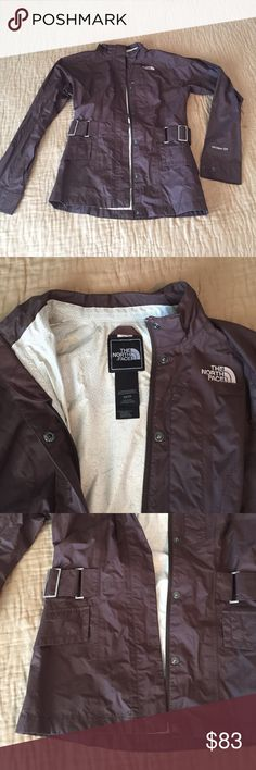 Northface jacket Good condition, form fitting. People always gave me compliments when I wore it. North Face Jackets & Coats