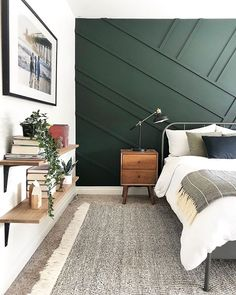 How to build your own Asymmetrical Wood Wall for Under Super easy DIY that will make a huge impact in any room. Takes under six hours! The post How To: Asymmetrical Wood Wall appeared first on Jessica Sara Morris. Modern Bedroom, Accent Wall Bedroom, Home Bedroom, Bedroom Interior, Bedroom Design, Green Bedroom Walls, Master Bedrooms Decor, Bedroom Decor, Bedroom Green