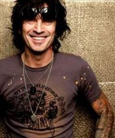 Tommy Lee - Watch drum video here: http://dailydrumvideos.com/2012/02/14/tommy-lee-roller-coaster-drum-solo/