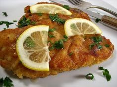 Paleo Chicken Piccata Vegans Eat Yummy Food Too! Healthy Low Calorie Dinner, Parmesan, Whole Food Recipes, Cooking Recipes, Tandoori Masala, Italian Chicken Recipes, Recipe Chicken, Chicken Piccata, Garlic Chicken