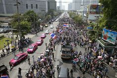 28 wounded in blasts at Bangkok protest site