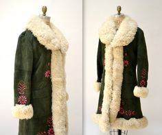 Vintage Embroidered Shearling Afghan Jacket Coat Size Medium// 70s