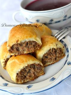 Polish Recipes, Pierogi, Starters, Food Hacks, Beef Recipes, Hamburger, Food And Drink, Rolls, Appetizers