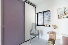 The team for this project included Maayan Zusman and Amir Navon of studio 6b.  The apartment is a mere 55 meters (originally old and run down) turned it into a modern 2 bedroom apartment + balcony overlooking lush greenery, in one of...