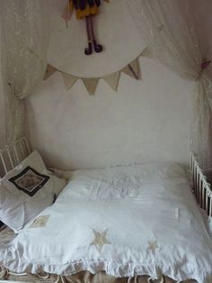 Would be such a sweet child's room.