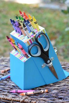 Upcycle your old knife block into a DIY crayon holder, makeup brush holder, or more. Get knife block ideas for makeovers of your old knife block! Fun Crafts, Diy And Crafts, Crafts For Kids, Arts And Crafts, Upcycled Crafts, Repurposed, Diy Projects To Try, Craft Projects, Upcycling Projects