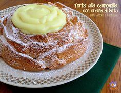 La torta alla camomilla è il risultato di un sogno. Nel senso che l'ho prima sognata e poi realizzata! Soffice, dal gusto delicato e semplice da preparare.