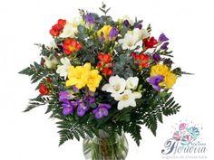 Buchet mixt Floral Wreath, Wreaths, Plants, Home Decor, Floral Crown, Decoration Home, Door Wreaths, Room Decor, Deco Mesh Wreaths