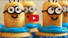How to Bake a Delicious Pink Zebra Cake - Stylish Eve Cookies Cupcakes And Cardio, Cupcake Cookies, Christmas Food Treats, Christmas Diy, My Minion, Minions, Pink Zebra Cakes, Orange Buttercream, Minion Cupcakes