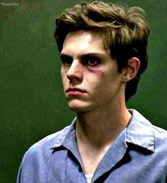 Evan Peters as Kit Walker in American Horror Story. He is beautiful even with a black eye Evan Peters, Ahs, Tate And Violet, Kit Walker, Peter Maximoff, American Horror Story 3, The Villain, Horror Stories, Beautiful Boys