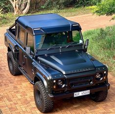 Defender 90, Land Rover Defender Pickup, Landrover Defender, 4x4 Trucks, Ford Trucks, Offroader, Zx 10r, Expedition Vehicle, Land Rover Discovery