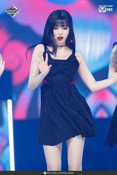 dedicated to female kpop idols. Kpop Girl Groups, Korean Girl Groups, Kpop Girls, Cool Girl, My Girl, Ulzzang, Mode Grunge, Soo Jin, Cube Entertainment