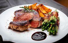 نوع الطبق أطباق رئيسية  الصعوبة سهل  طريقة التحضير 15 دقائق  وقت التحضير 90 دقائق  الوقت الاجمالي 105 دقائق  عدد الأشخاص 6- 8   المقادي...