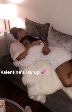 🎬🎬🎬🎬🎥🎥🎥👭👭👭👭 Lesbian / Bisexual scene in Rainbow Pride Freaky Relationship Goals, Couple Relationship, Cute Relationships, Black Couples Goals, Cute Couples Goals, Couple Goals, Cute Lesbian Couples, Lesbian Love, Ebony Girls