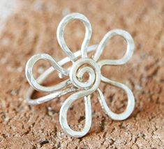 Large Flower Ring, Sterling Silver, Wire, Wire Jewelry. $32.00, via Etsy. #wirejewelry #SterlingSilverWire