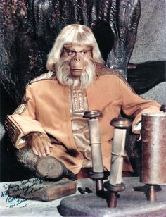 Everything about the mighty PLANET OF THE APES saga, from the original novel, via the classic films of the and right up to the 2011 reboot. Pierre Boulle, Planet Of The Apes, Fantasy Movies, Weird World, Old Tv, Cultura Pop, Classic Films, The Good Old Days, Film Movie