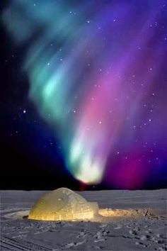 Aurora Borealis, Yellowknife, Canada - One day I WILL see them Northern Lights Holidays, See The Northern Lights, Some Beautiful Pictures, Cool Pictures, Beautiful Sky, Beautiful Landscapes, Borealis Lights, Landscape Photography, Nature Photography