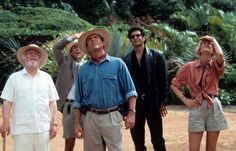 Why Jurassic Park's Ellie Sattler Is The Ultimate Feminist—And Style—Superstar