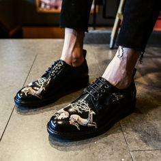 Men's Voguish Painting Leather Round Toe Business Shoes Retro Lace Up Leisure WU J Shoes, Mens Shoes Boots, Shoe Boots, Oxford Shoes, Dress Shoes, Leather Shoe Laces, Christmas Shoes, Business Shoes, Lace Up Flats