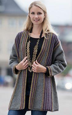 Strikket jakke i A-facon Crochet Cardigan Pattern, Knitted Poncho, Knit Cardigan, Knit Crochet, Knitting Short Rows, Arm Knitting, Knitting Patterns Free, Knit Patterns, Knit Fashion