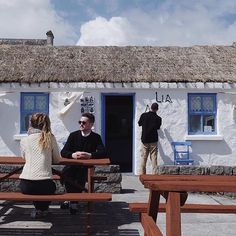 When you're tired of your cycle on Inis Mór there's always some nice places to stop as @thetraveltwo discovered