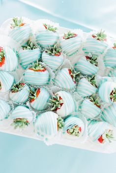 Bridal Shower Blue and white covered strawberries f. - Tiffany & Co. Bridal Shower Blue and white covered strawberries from a Tiffany & Co. -Tiffany & Co. Bridal Shower Blue and white covered strawberries f. - Tiffany & Co. Bridal Shower B. Beach Bridal Showers, Bridal Shower Games, Bridal Shower Decorations, Bridal Shower Invitations, Blue Party Decorations, Brunch Invitations, Tiffany Blue Decorations, Bridal Shower Foods, Bridal Shower Desserts