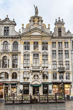 Belgium travel tips Places To Travel, Places To See, Travel Destinations, Travel Tips, Budget Travel, Bósnia E Herzegovina, Travel Around The World, Around The Worlds, Amsterdam
