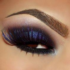 Deep blue dramatic eyeshadow