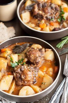 Every time I make this super easy and cozy pressure cooker oxtail stew it puts me in a good mood straightaway, filling my whole house with delicious smells. Oxtail Recipes, Jamaican Recipes, Meat Recipes, Chicken Recipes, Cooking Recipes, Savoury Recipes, Curry Recipes, Jamaican Dishes, Avocado Recipes