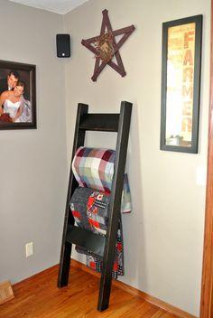 Black Wooden Blanket Ladder - Rustic Country Decor - Blanket Storage - Quilt Ladder