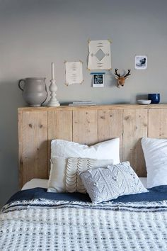 These headboard ideas to improve bedroom design will definitely match up you bedroom, style and personality as well. Let us know your favorite headboard ide Furniture, Interior, Home, Home Bedroom, House Interior, Bedroom Inspirations, Home Deco, Bedroom Decor, Interior Design