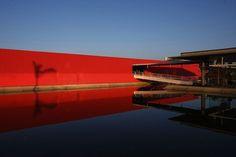 """Olha a dica de agenda: amanhã (15.05) tem palestra de Roberto Loeb e Luis Capote sobre """"Arquitetura e Urbanidade"""", no Museu da Casa Brasileira, às 19h30."""