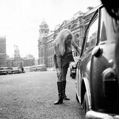 Brigitte Bardot during the filming of Serge Bourguignon's movie 'A coeur joie' on the streets of London, England, in the United Kingdom, in Brigitte Bardot, Bridget Bardot, Susan Sarandon, Carnaby Street, London Street, Jane Birkin, Marlon Brando, Jack Nicholson, Trieste