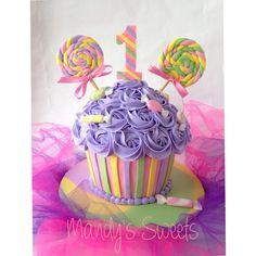 Mandys Sweets - Candyland smash cake