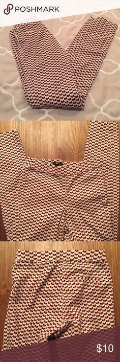 H&M Slim Pants Great patterned pants! Slim cut. Side zip. No trades. H&M Pants Skinny
