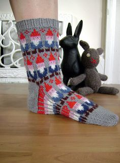 Ravelry: Gnome Socks pattern by SpillyJane  must, must have these. i love gnomes