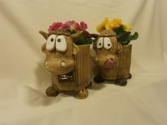 ;) Ceramic Animals, Clay Animals, Cute Monsters, Air Dry Clay, Garden Crafts, Cold Porcelain, Clay Creations, Plant Holders, Terracotta