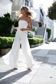 Bridal outfit ideas: An all white jumpsuit is always a great bridal look!
