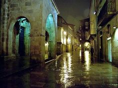 Way of St James (Spain) - 7 Days for 2 people. Includes transfers and half board Pamplona, Bilbao, Rainy Street, Half Board, Nova, Places In Spain, Spanish Art, Spanish Style, Pilgrimage