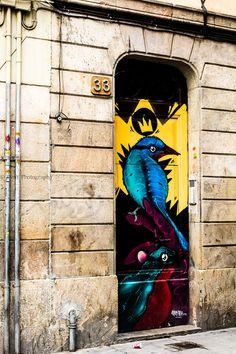 Say 33... Birdy Birds Door @ Barcelona, Spain