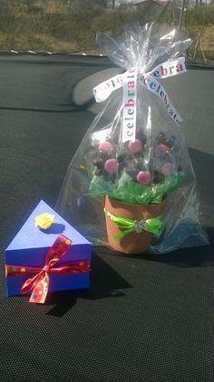 Centro de mesa (Paletas de chocolate en forma de flor)