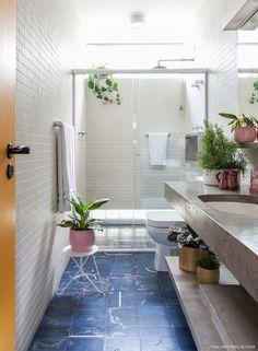 Mesmerizing Bathroom Decor Ideas to Get a Unique Vibe Interior Exterior, Home Interior, Interior Design Living Room, Tiny Bathrooms, Beautiful Bathrooms, Bathtub Remodel, Boho Bathroom, Bathroom Layout, Bathroom Ideas