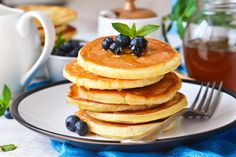 "I got ""Pancakes""! Cute Snacks, Easy Snacks, Carrot Zucchini Bread, Peanut Snacks, Dessert Crepes, Chickpea Snacks, Healthy Popcorn, Chocolate Oatmeal Cookies, Crepe Recipes"