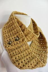 This is such an easy and quick pattern. It is worked in rows and has one basic stitch.