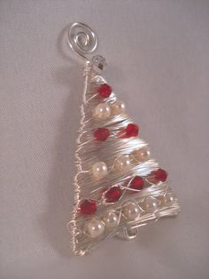 Carolyn Schulz -- Wirework for Christmas