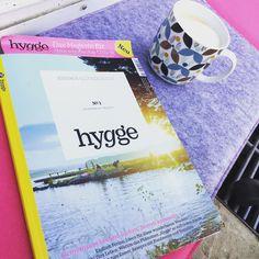 Die neue Zeitung #hygge ist da! Für Alle die die Gemütlichkeit Skandinaviens und das Beisammensein genießen. Ich liebe es jetzt schon und freue mich umsponnene auf unseren Urlaub in Schweden. #kitzundkautz #hygge #skandinavien #scandinaviandesign #magazin #zeitung #familie #schweden #sommerinschweden #camping #wohnwagen