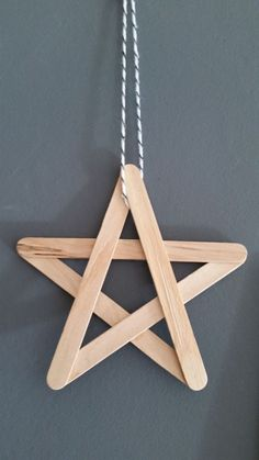 A Christmas star to decorate the house, to make oneself with furniture. – Noel A Christmas star to decorate the house, to make oneself with furniture. Diy Christmas Decorations, Christmas Crafts For Kids, Craft Stick Crafts, Holiday Crafts, Christmas Diy, Christmas Ornaments, Christmas Design, Diy Ornaments, Star Ornament